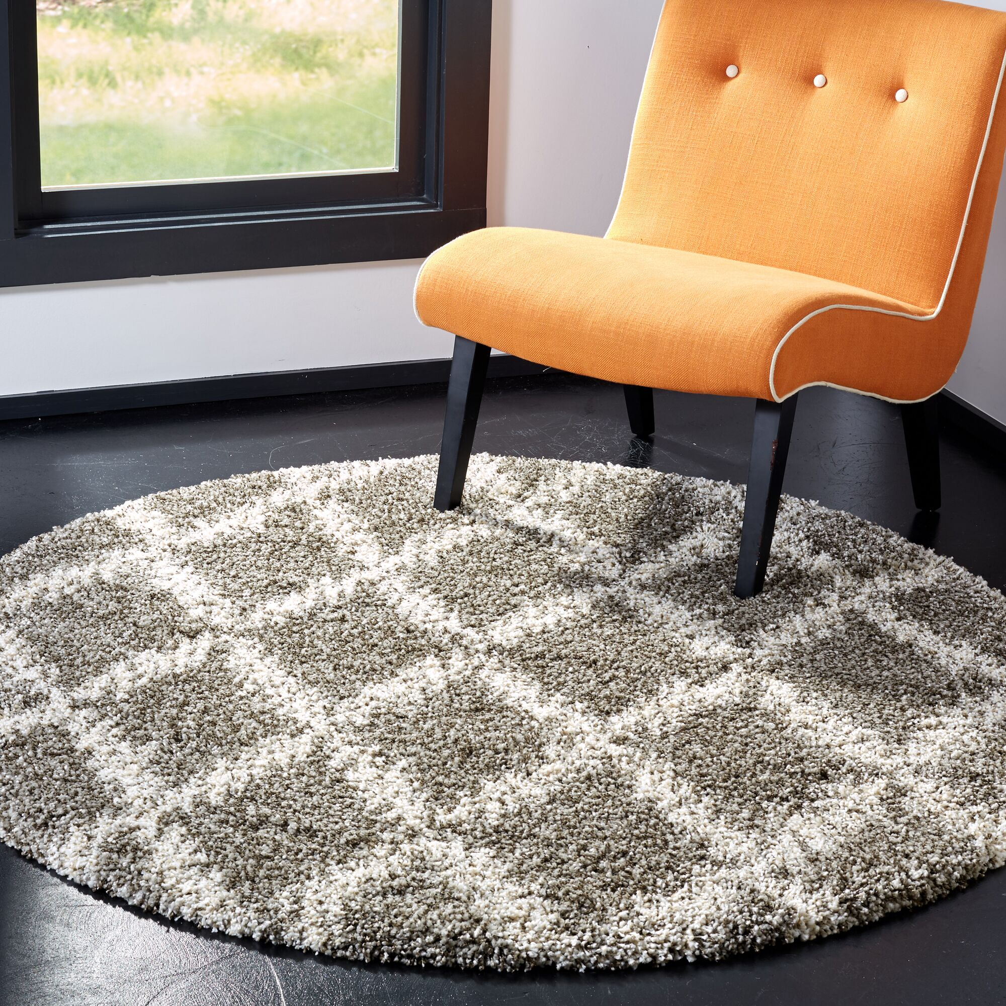 Quito Gray/Ivory Area Rug Rug Size: Round 5'