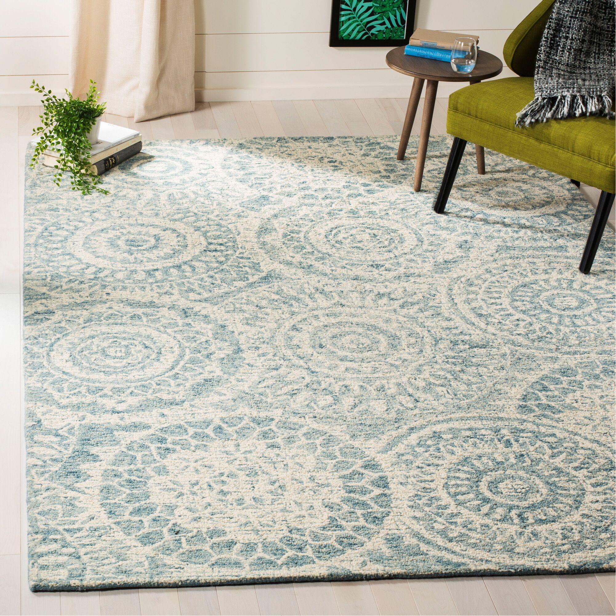 Salerna Hand-Tufted Wool Ivory/Blue Area Rug Rug Size: Rectangle 6' x 9'