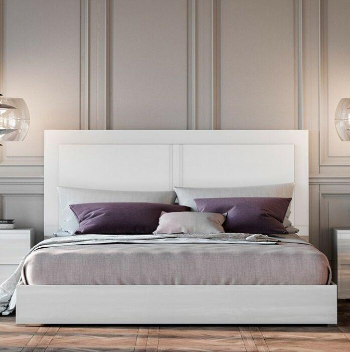 Dority Platform Bed Size: King