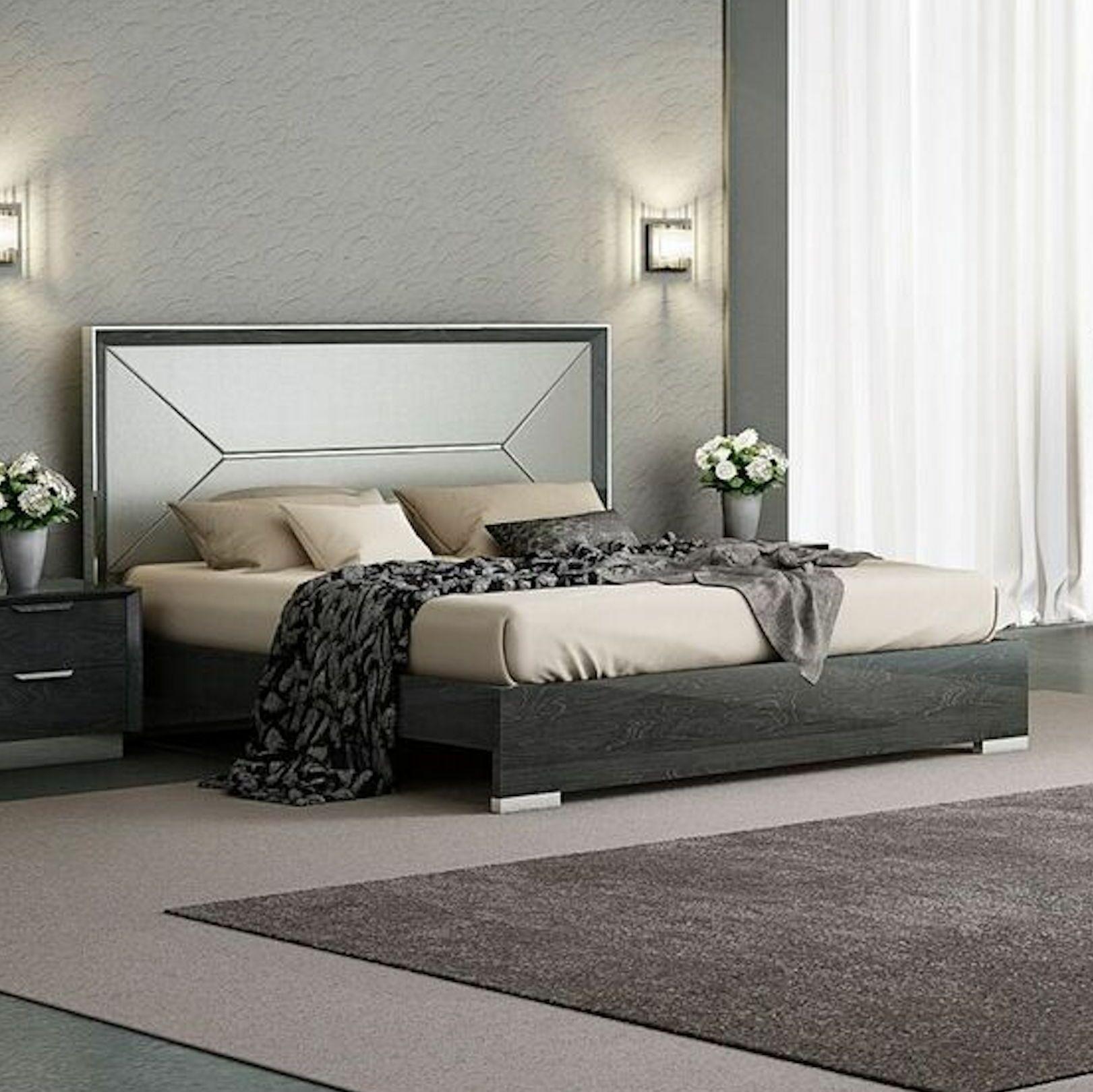 Aspinwall Upholstered Storage Platform Bed Size: King