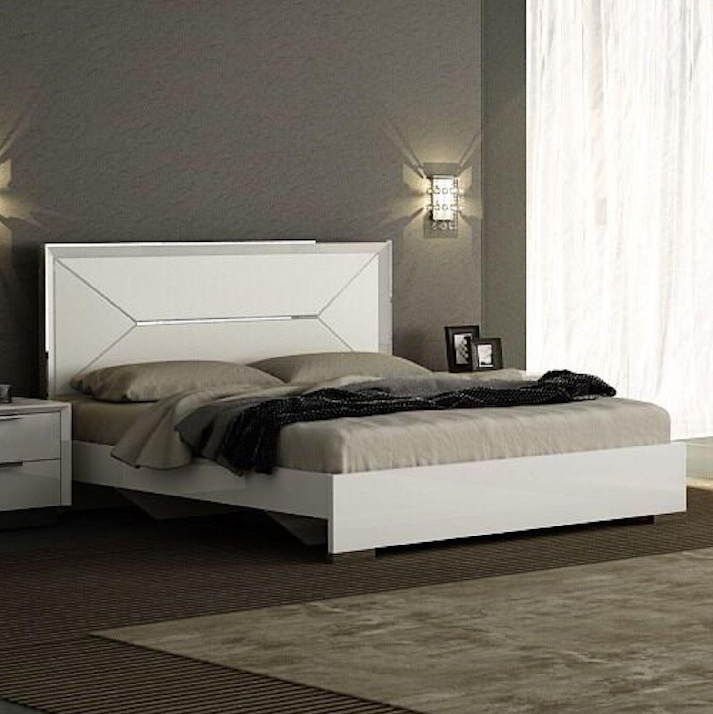 Aspinwall King Upholstered Bed