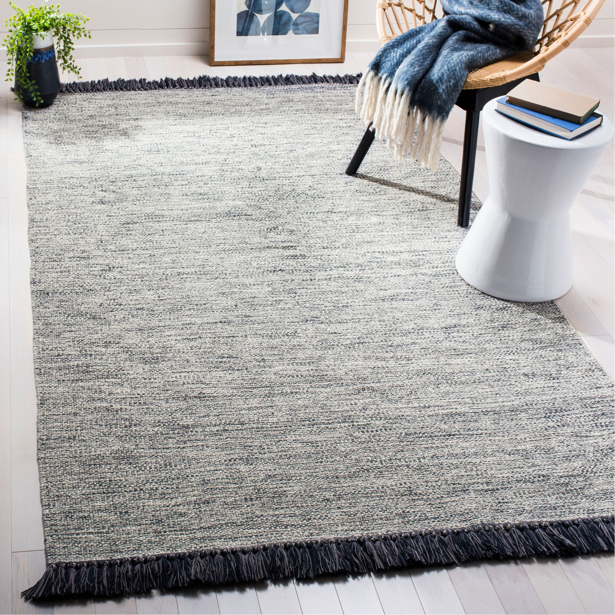 Nida Hand-Woven Gray Area Rug Rug Size: Rectangle 5' x 8'