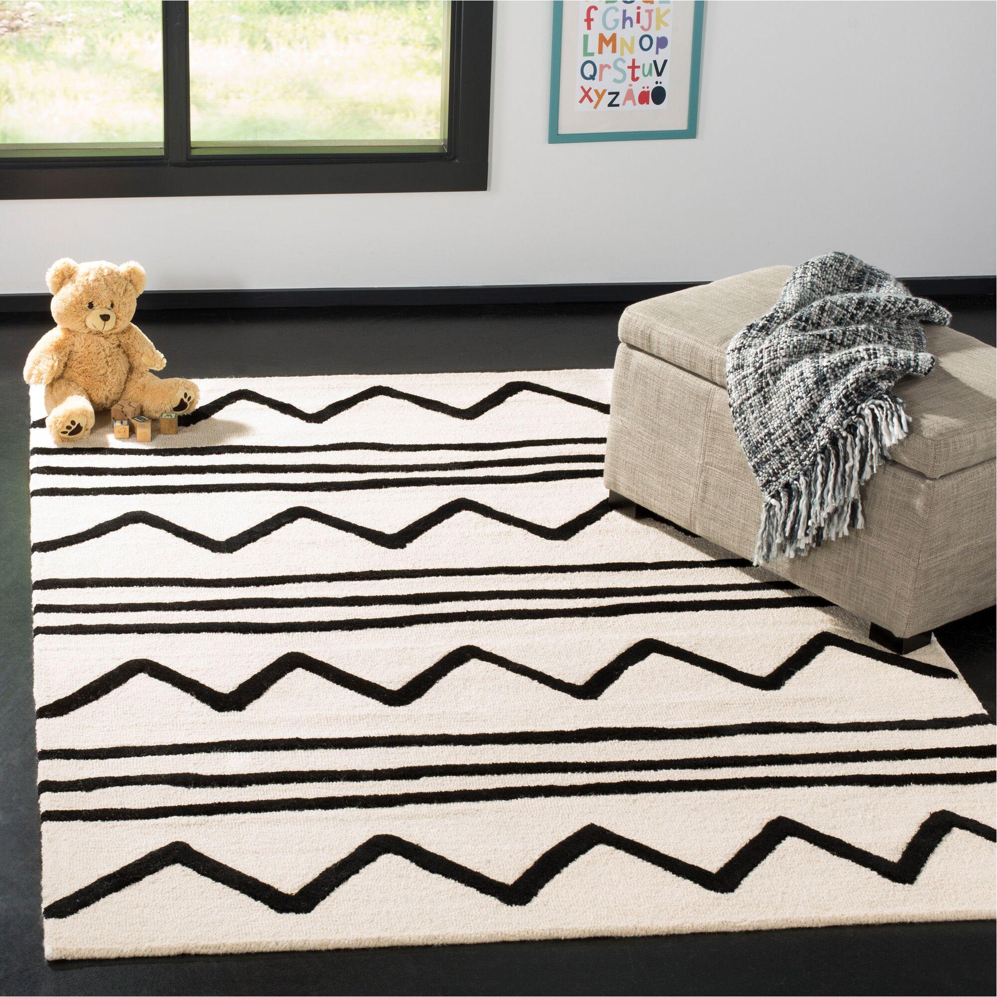 Claro Zigzag Hand-Tufted Ivory/Black Area Rug Rug Size: Rectangle 5' x 7'