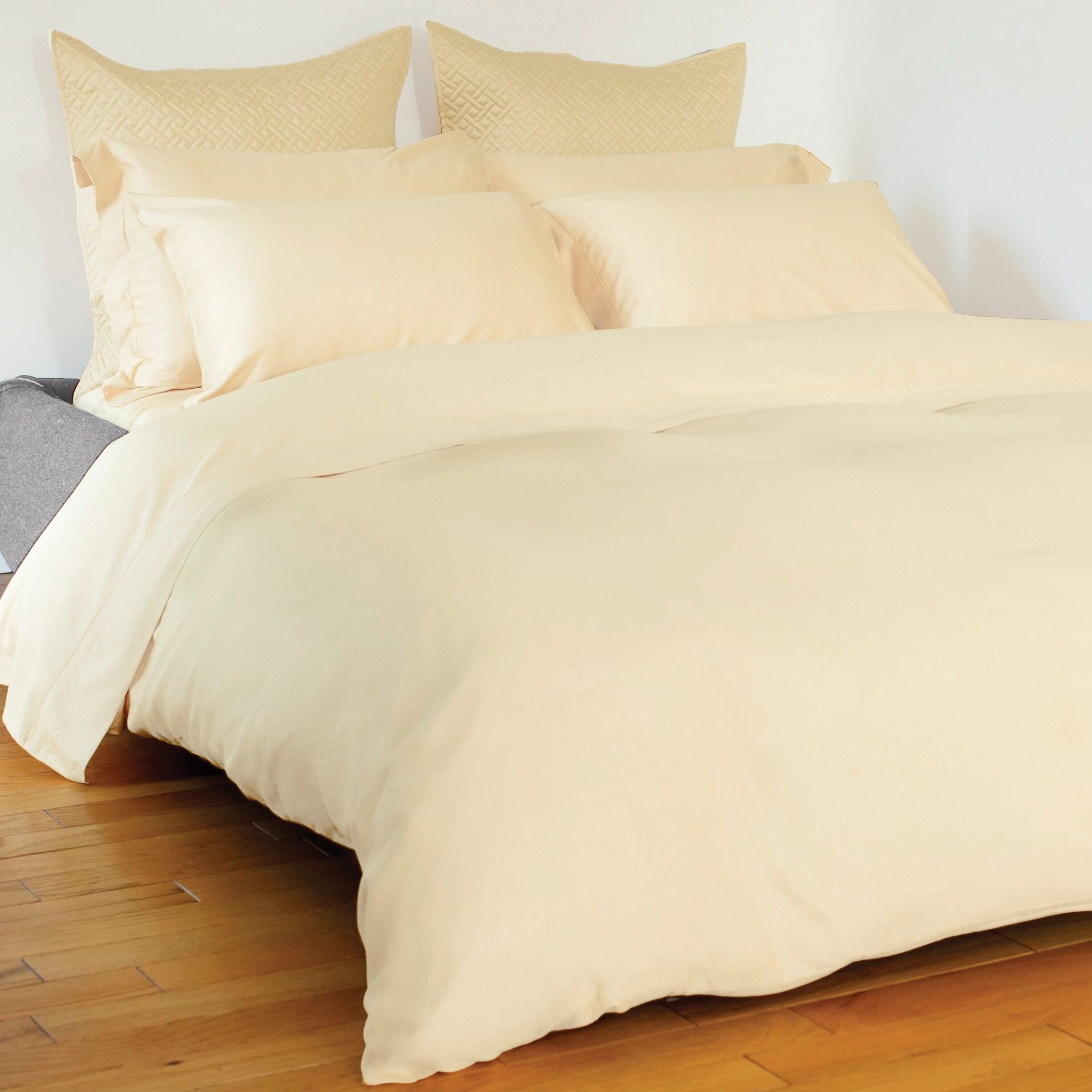 Edwina 4 Piece 350 Thread Count Sheet Set Size: King, Color: Ivory