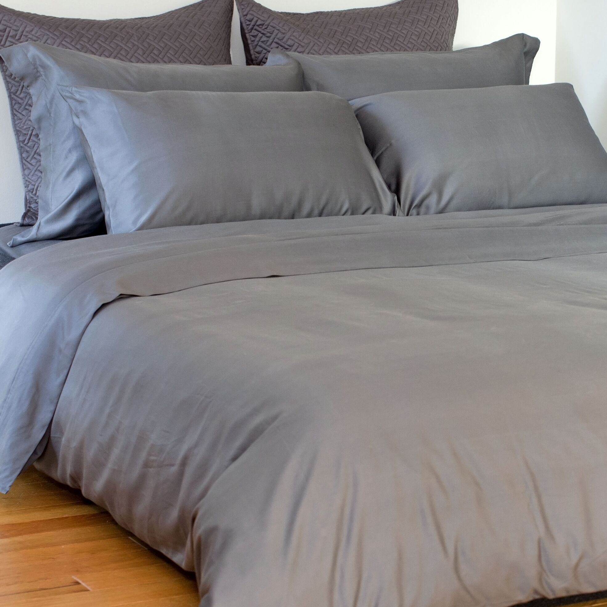 Edwina 4 Piece 350 Thread Count Sheet Set Size: Queen, Color: Pewter