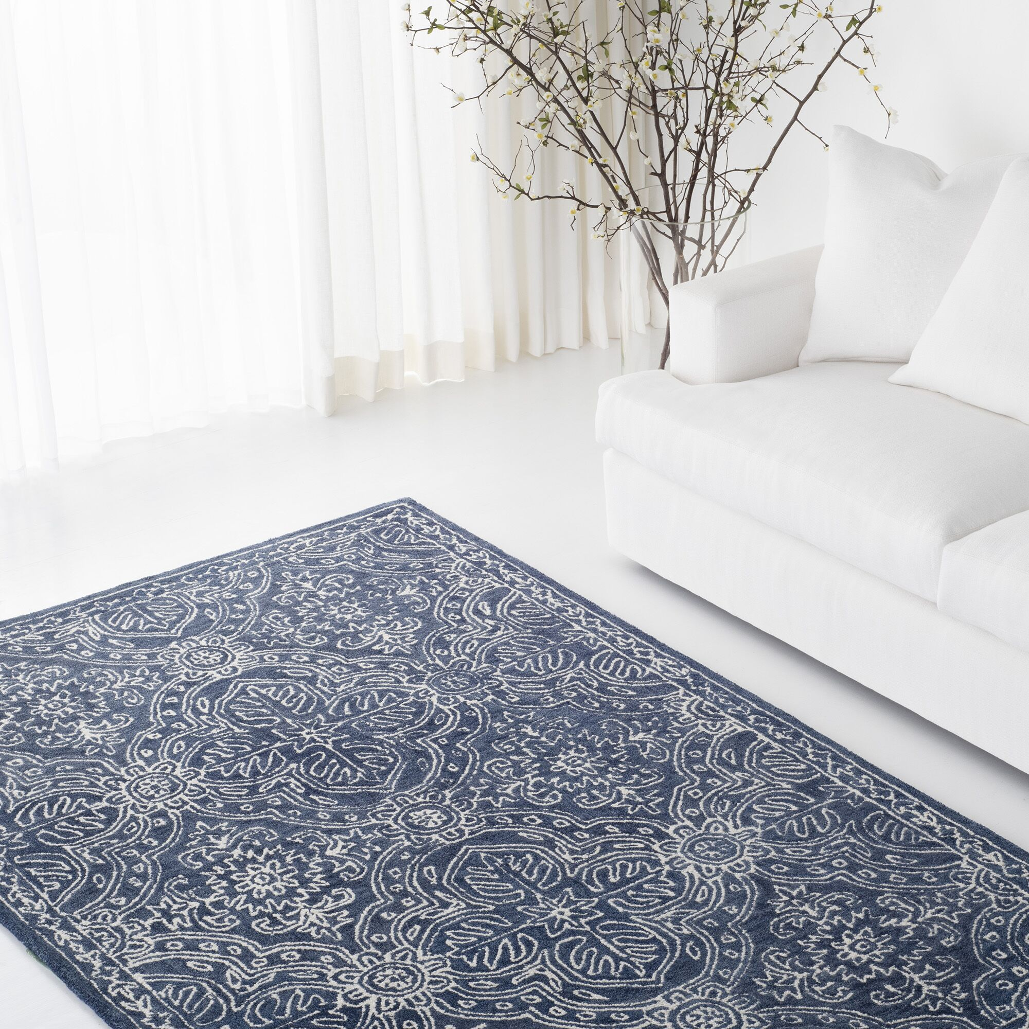 Etienne Hand-Tufted Wool Navy/Ivory Area Rug Rug Size: Round 5'