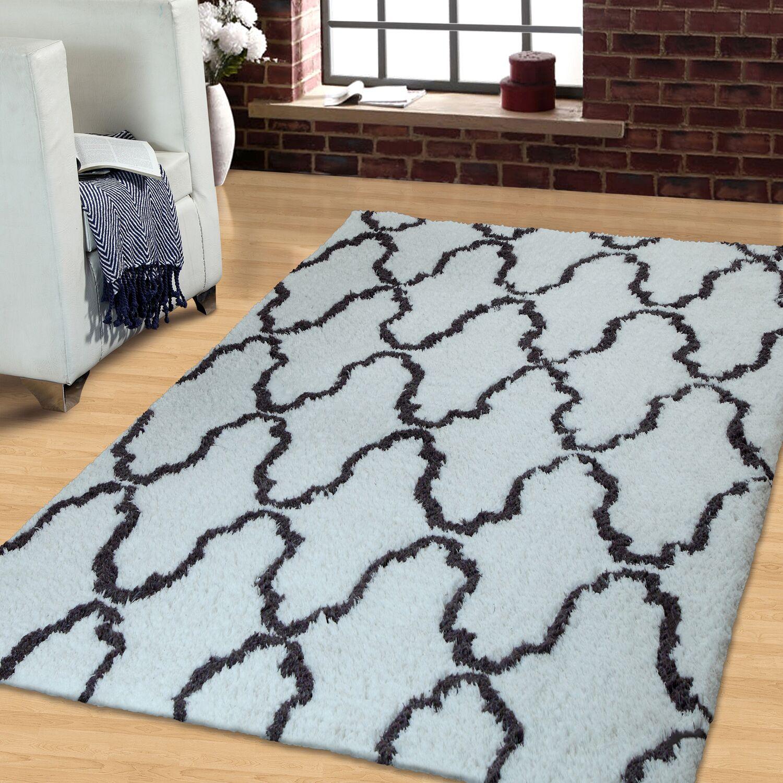 Superior Trellis Hand-Woven White/Gray Area Rug Rug Size: Rectangle 8' x 10'