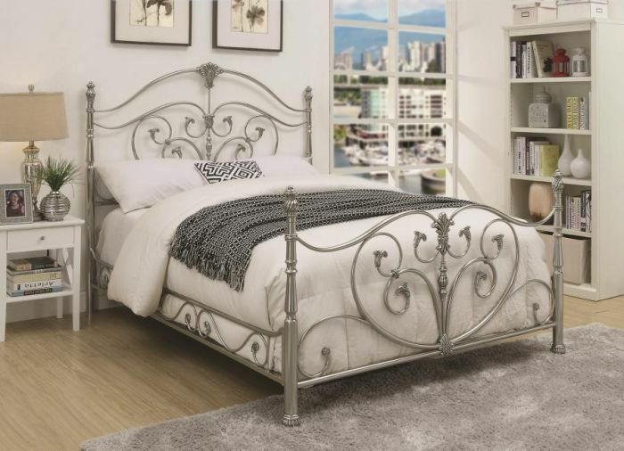 Larosa Metal Panel Bed Size: Full