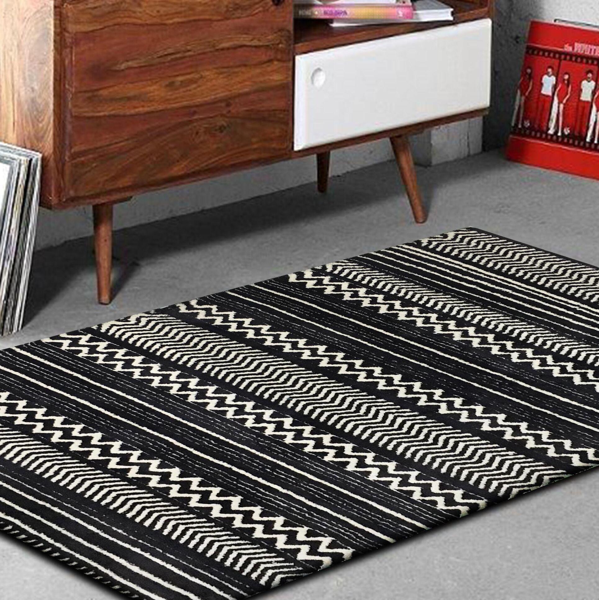 Byrnes Hand-Tufted Black/White Indoor Area Rug Rug Size: Rectangle 7'6