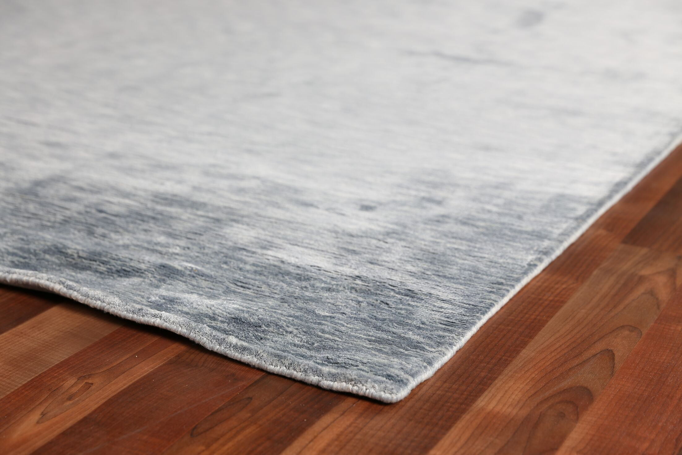 Softest Touch Hand-Woven Silk Gray Area Rug Rug Size: Rectangle 14' x 18'