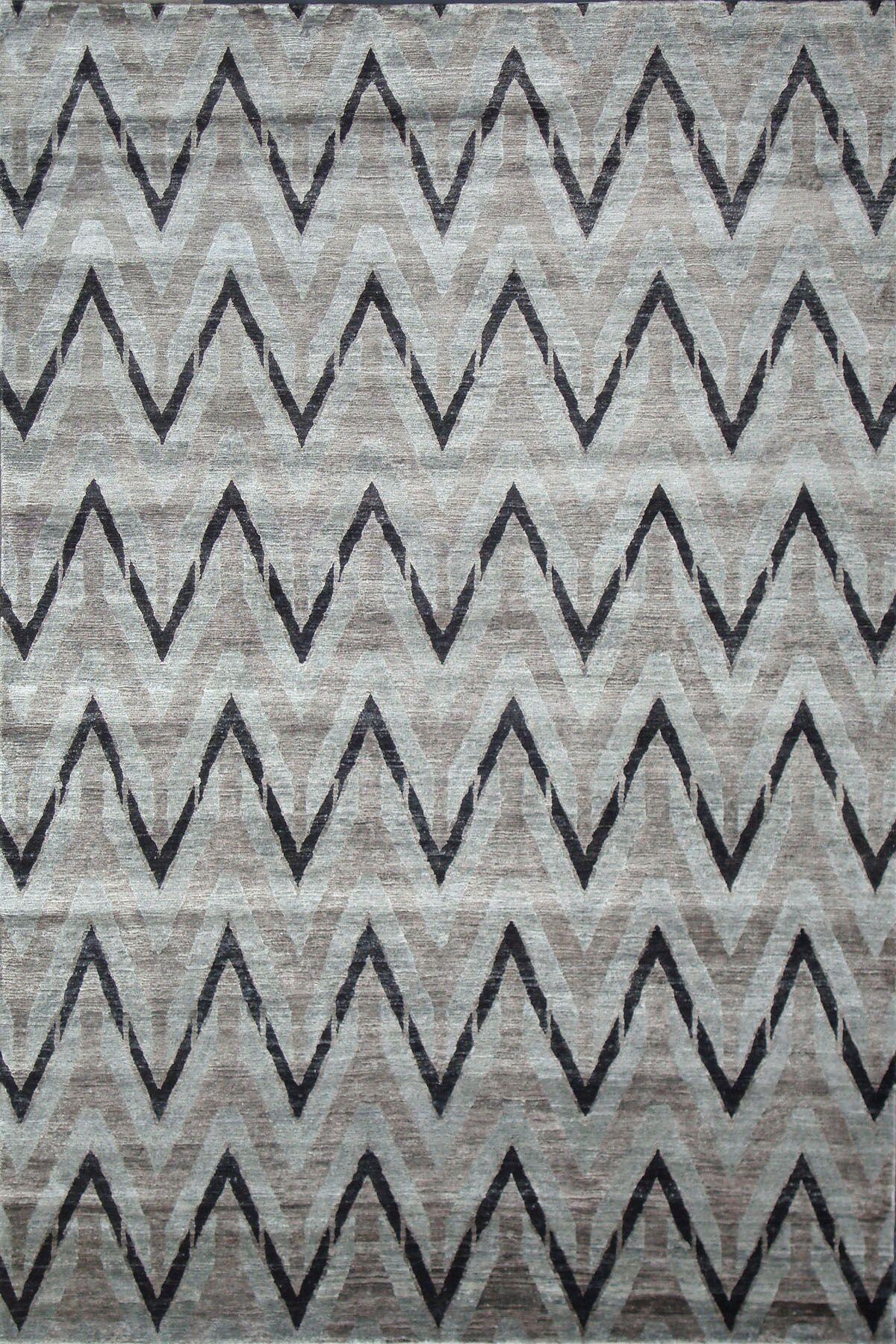 Hand Woven Silk Gray/Black Area Rug