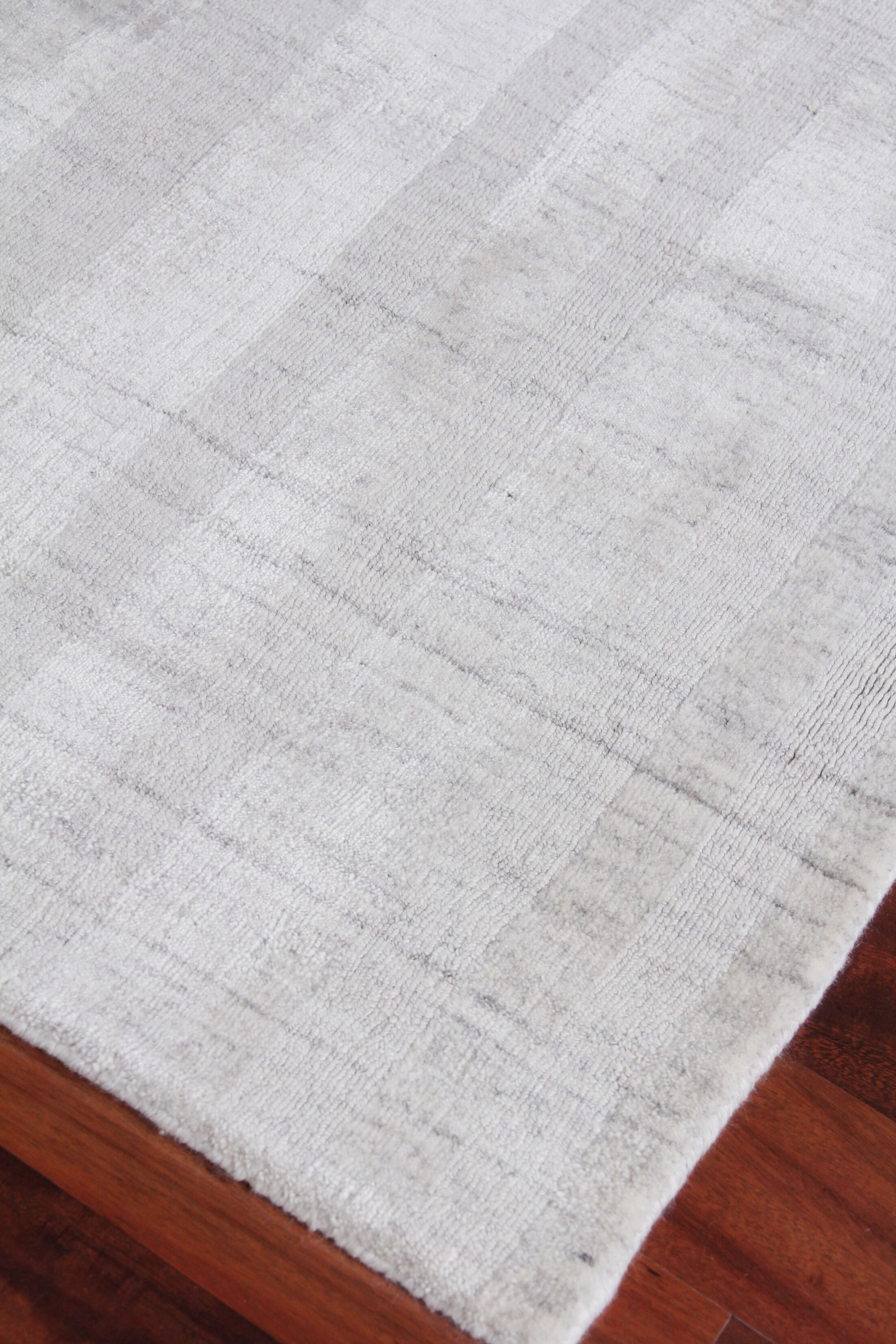 Robin Hand-Woven Silver Area Rug Rug Size: Rectangle 10' x 14'