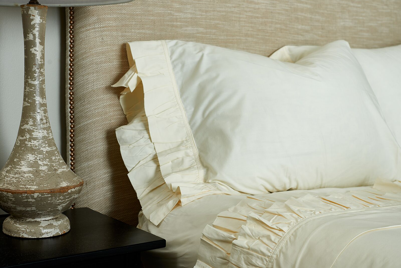Double Ruffled 200 Thread Count 100% Cotton Sheet Set Color: Ivory, Size: Full