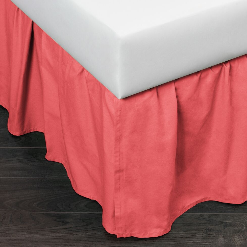 Brighton 160 Thread Count Bed Skirt Size: King, Color: Coral