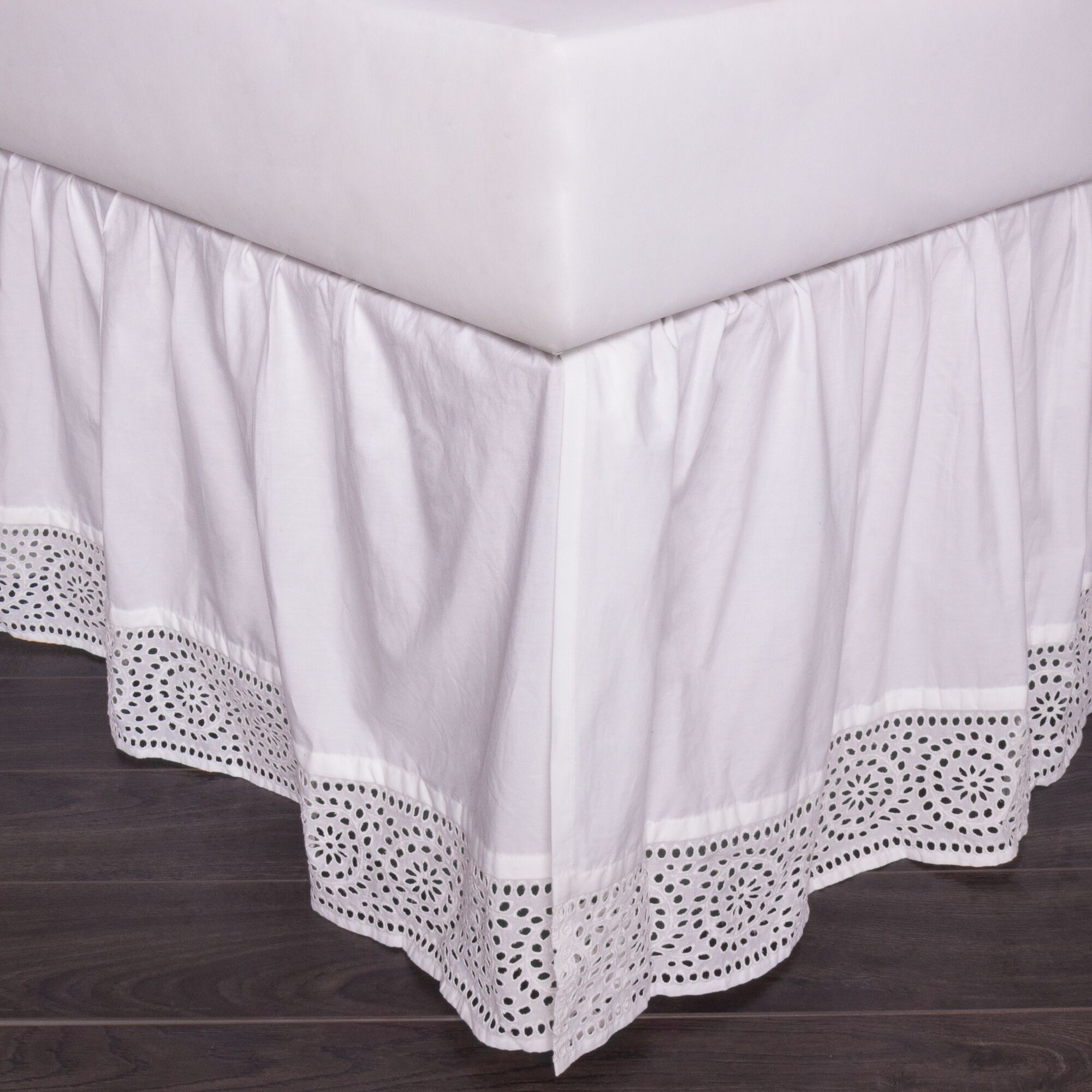 Eyelet 150 Thread Count Bed Skirt Size: Queen