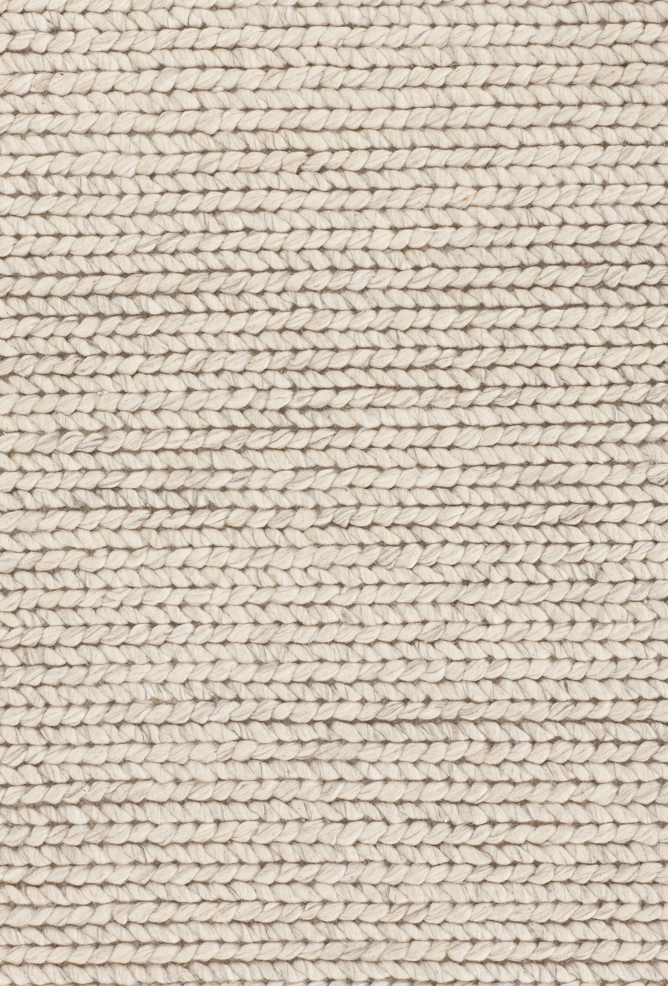 Comfort Silver Area Rug Rug Size: 5'7