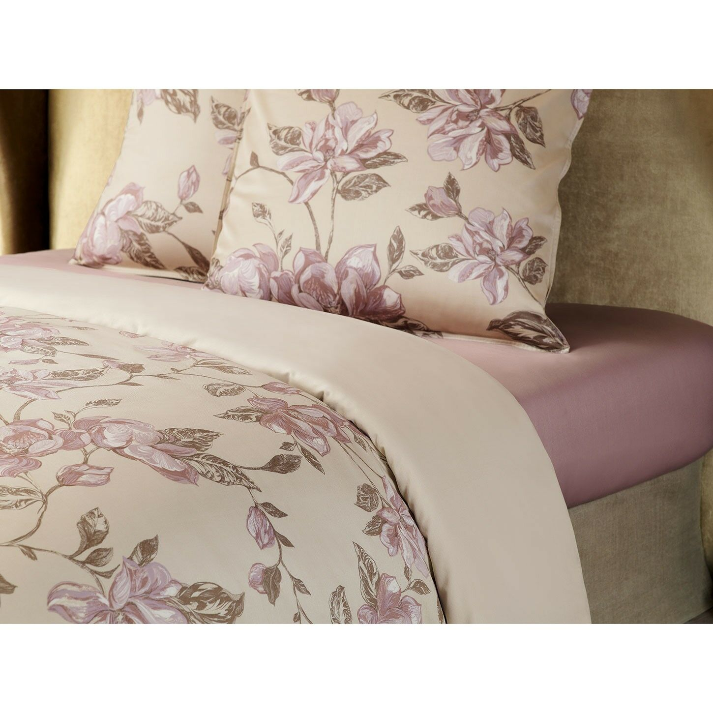 Haslemere 300 Thread Count 100% Cotton Fitted Sheet Size: King