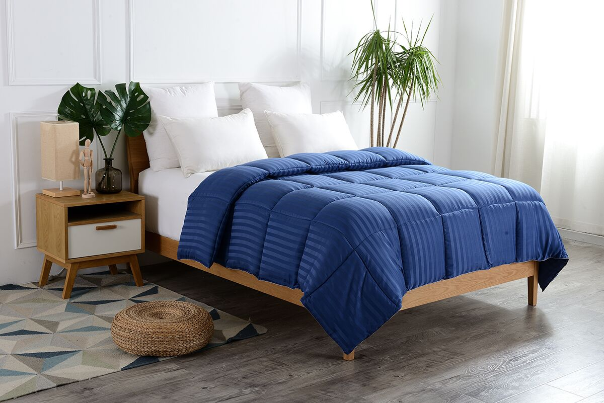 Striped All Season Down Alternative Comforter Size: King