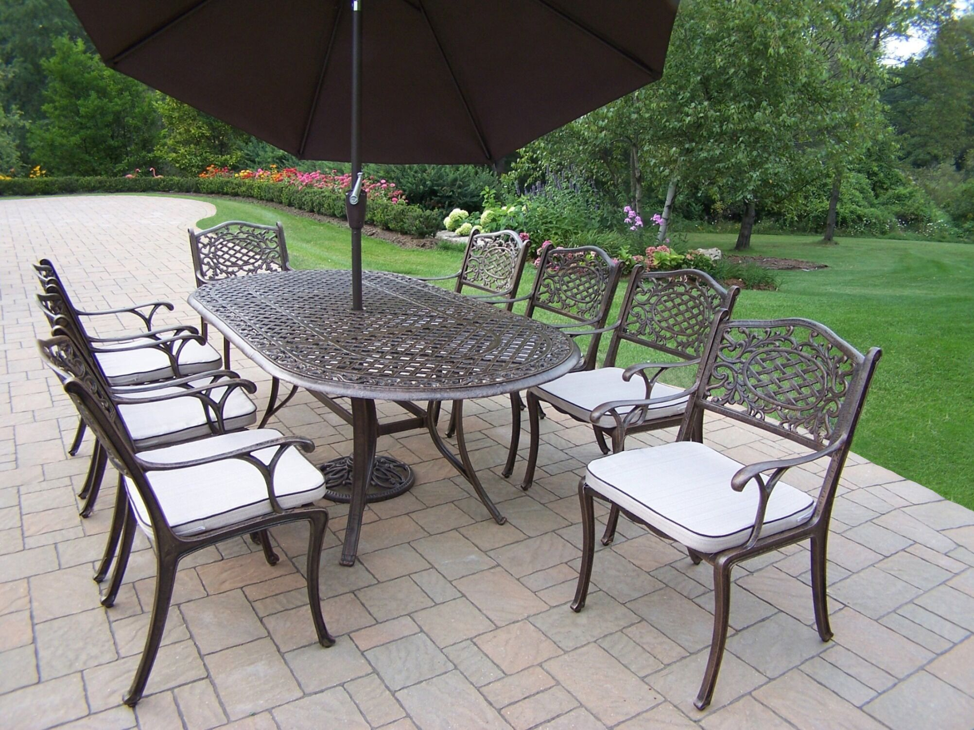 Mississippi Dining Set with Cushions and Umbrella Umbrella Color: Brown