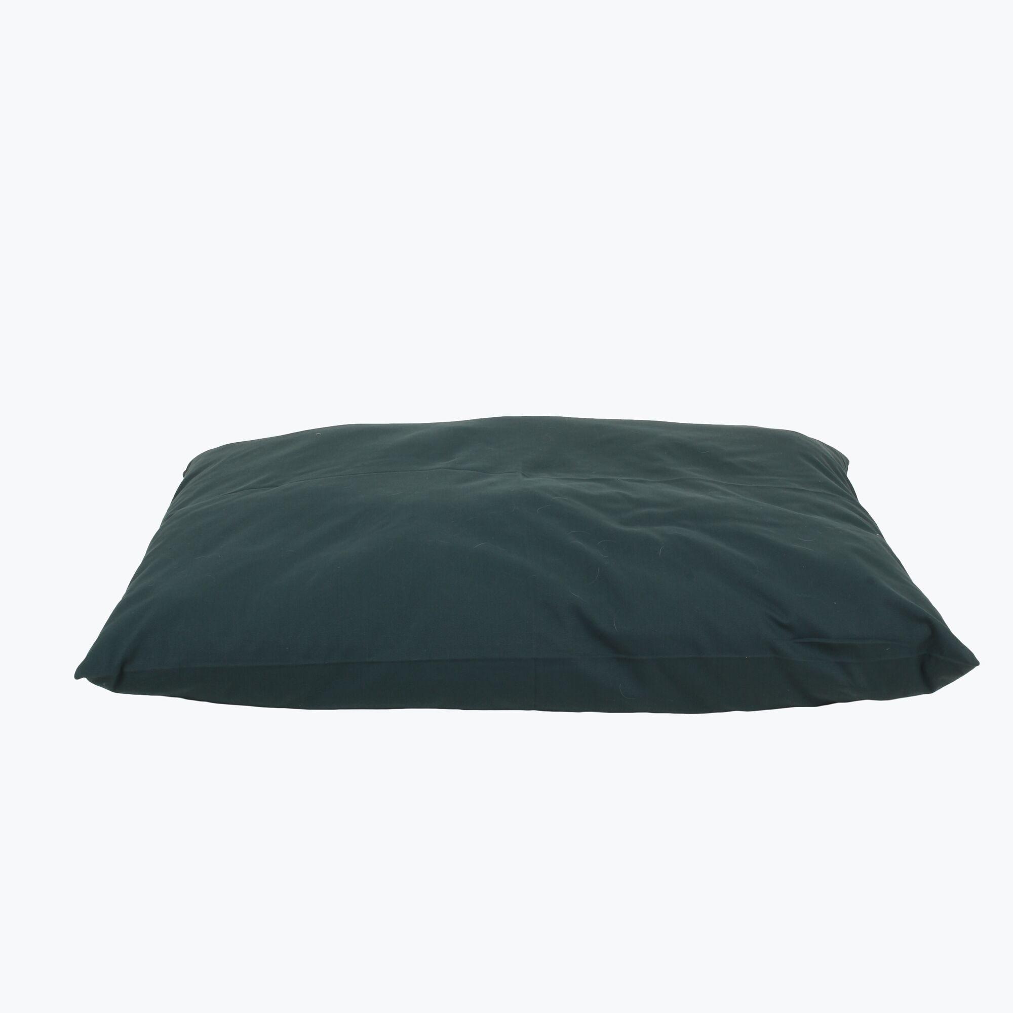 Armas Indoor/Outdoor Shebang Dog Pillow Size: Large (44