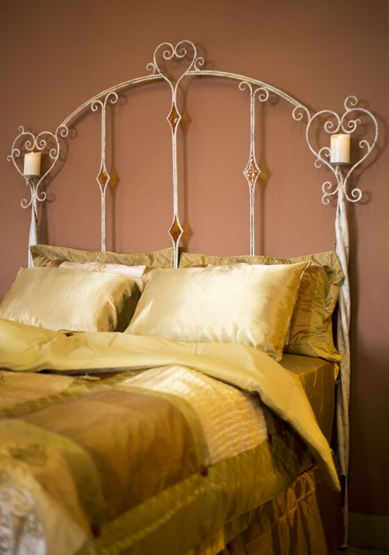 Holquin Panel Bed Size: Queen