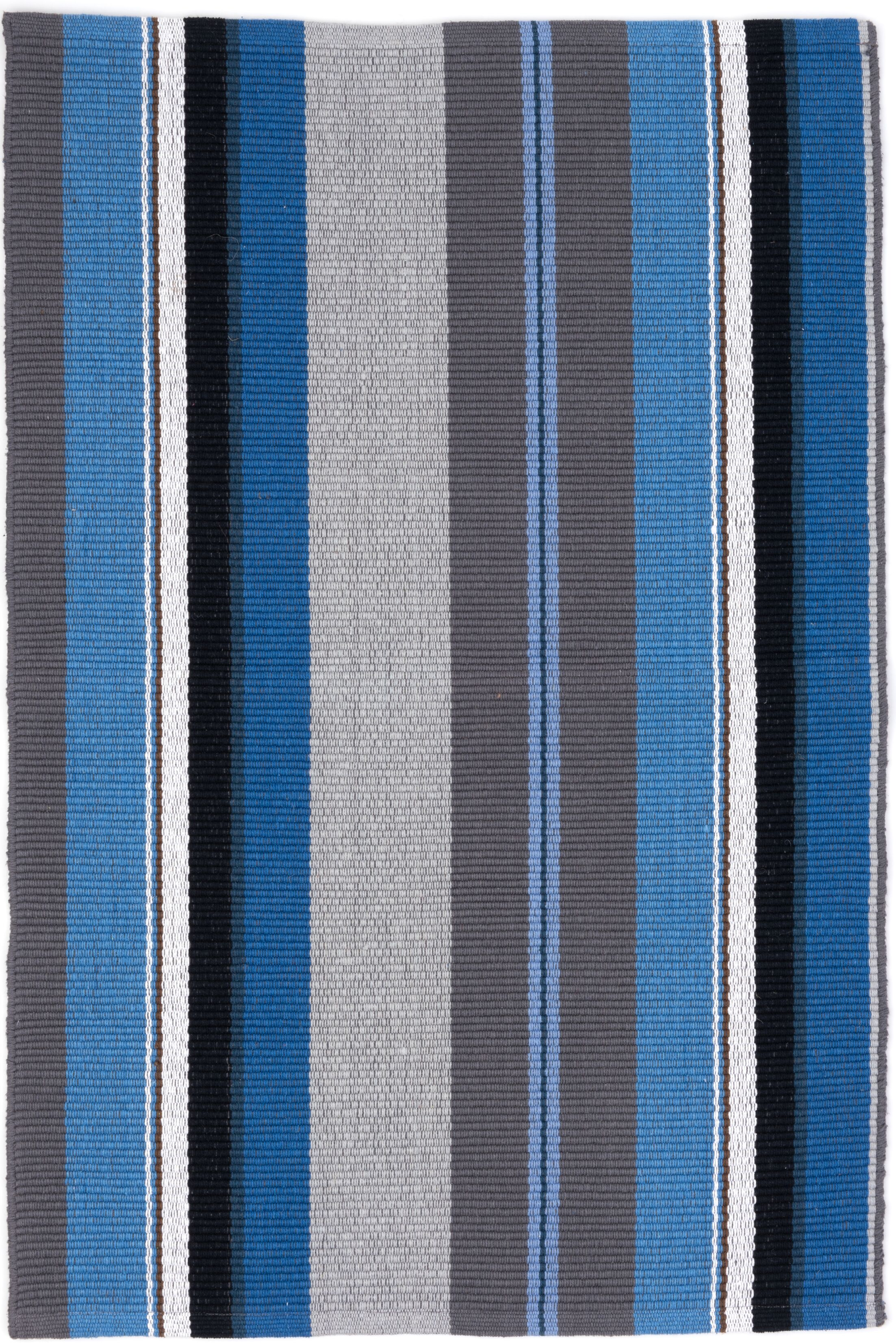 Hand Woven Blue Area Rug Rug Size: 9' x 12'