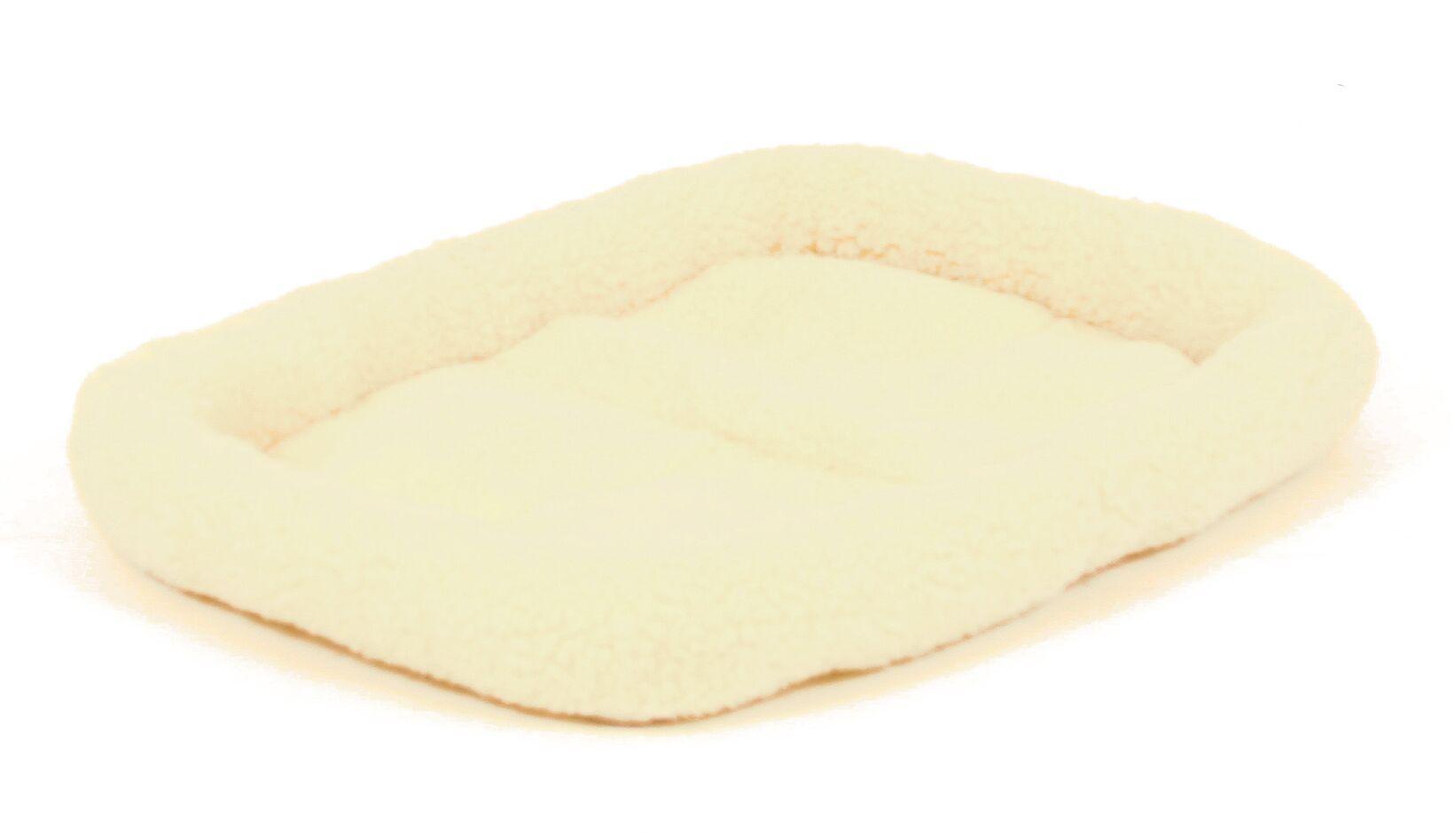 Muriel Fleece Pet Bed Size: Intermediate