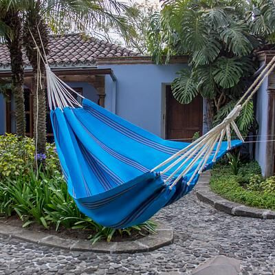 Hand-Woven Single Tree Hammock Color: Beauty of the Sea