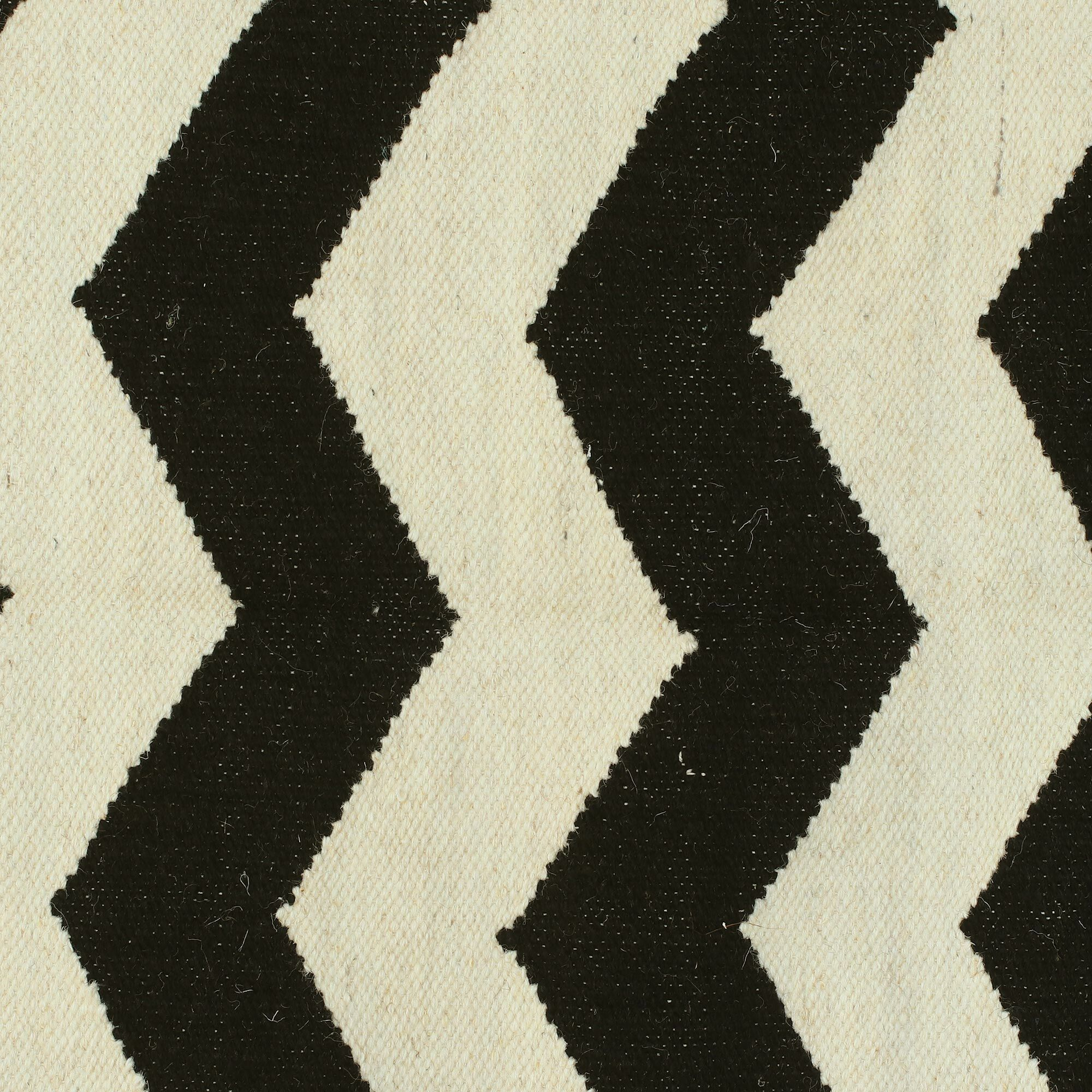Laguerre Zigzags Dhurrie Hand-Woven Wool Black/White Area Rug