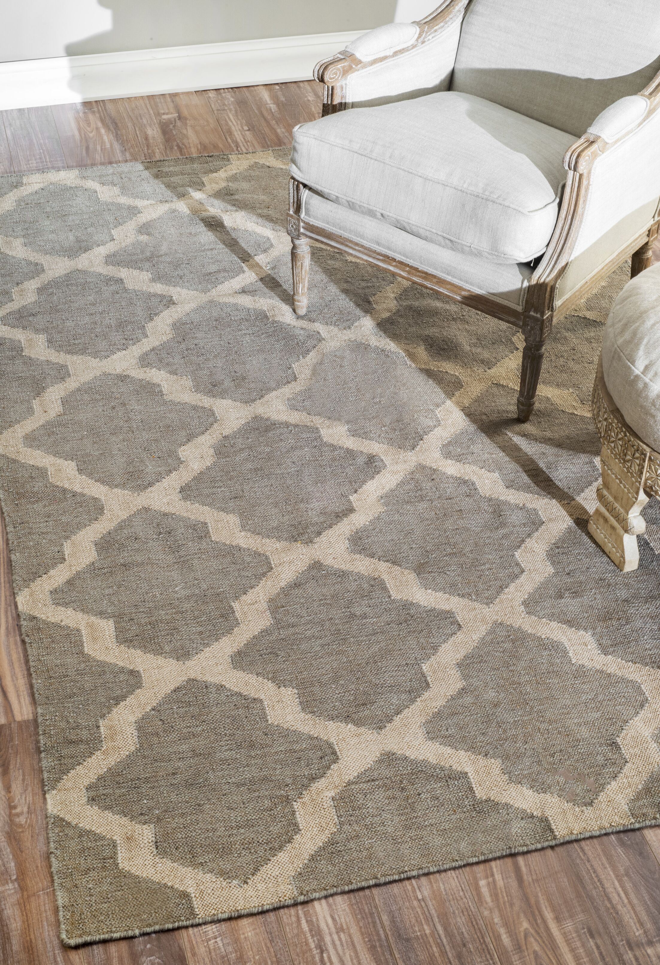 Loucelles Gray Area Rug Rug Size: Rectangle 7'6