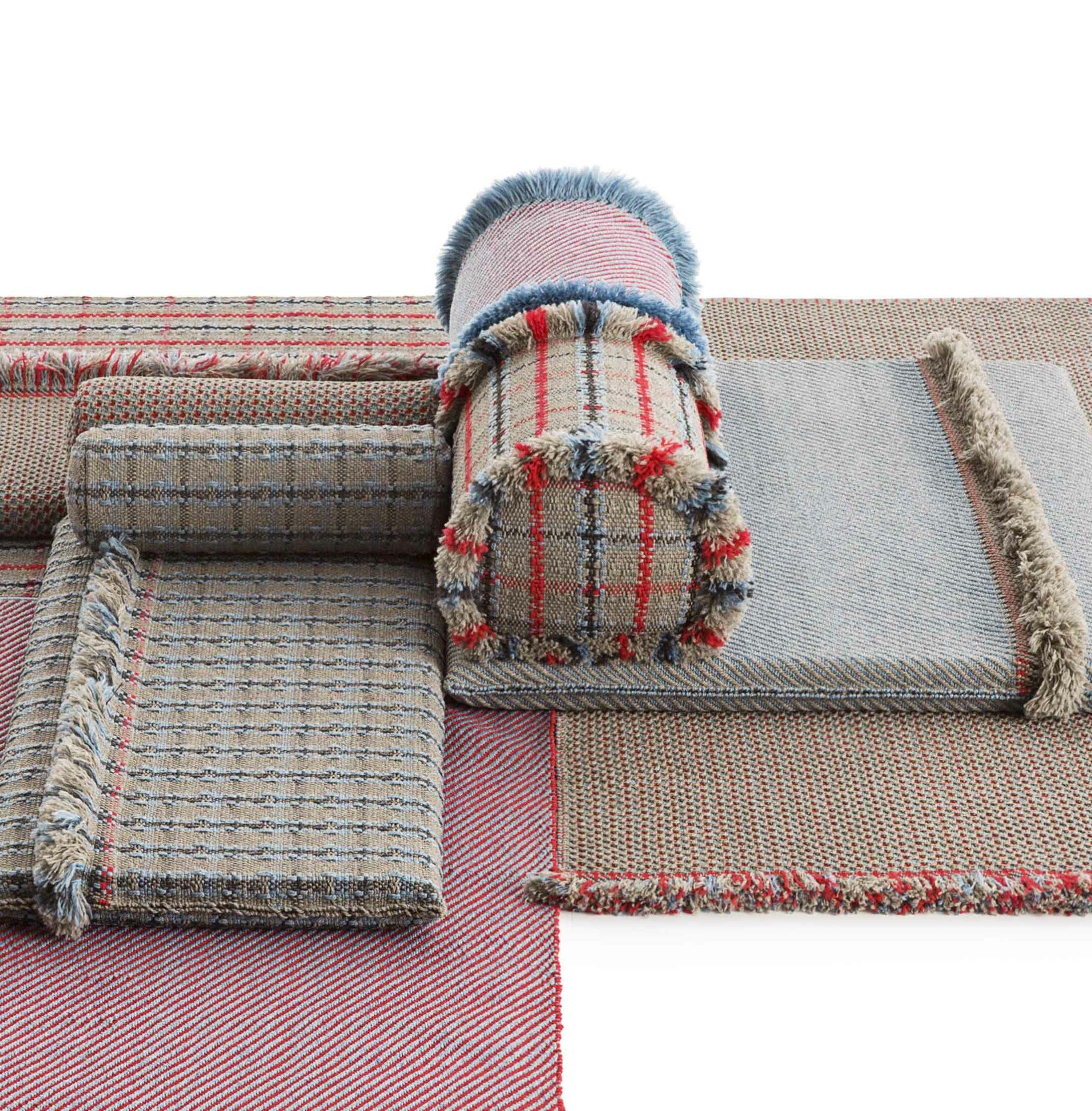 Garden Layers Checks Outdoor Throw Pillow Color: Blue
