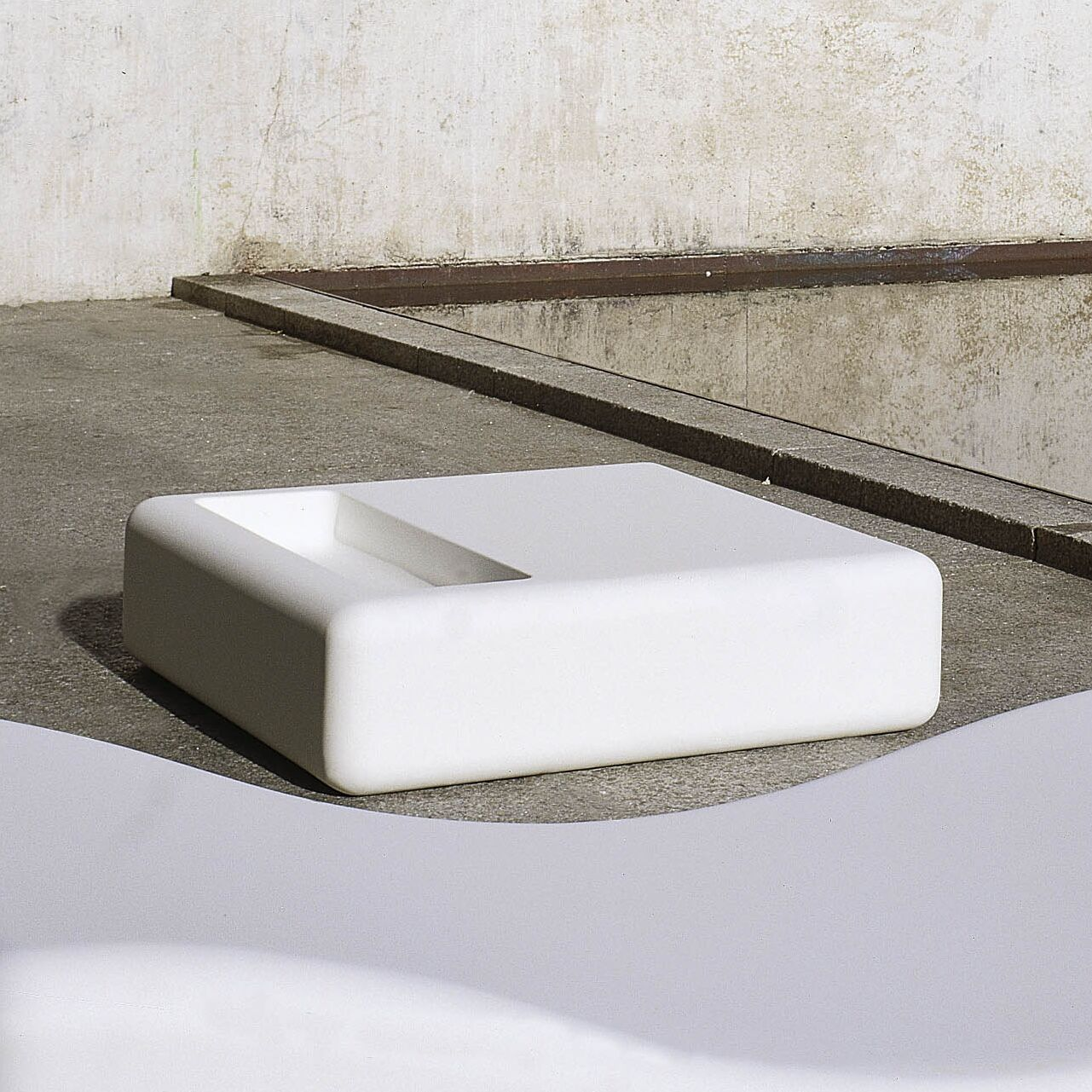 356 Plastic Side Table Finish: White