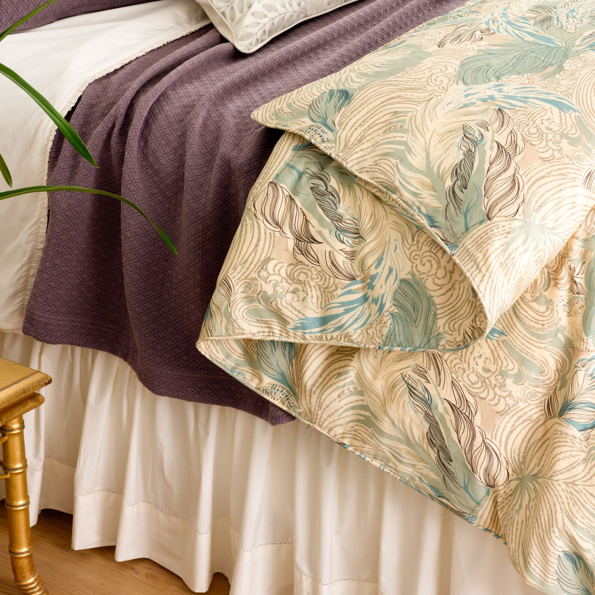 Classic Hemstitch 400 Thread Count Bed Skirt Size: Queen