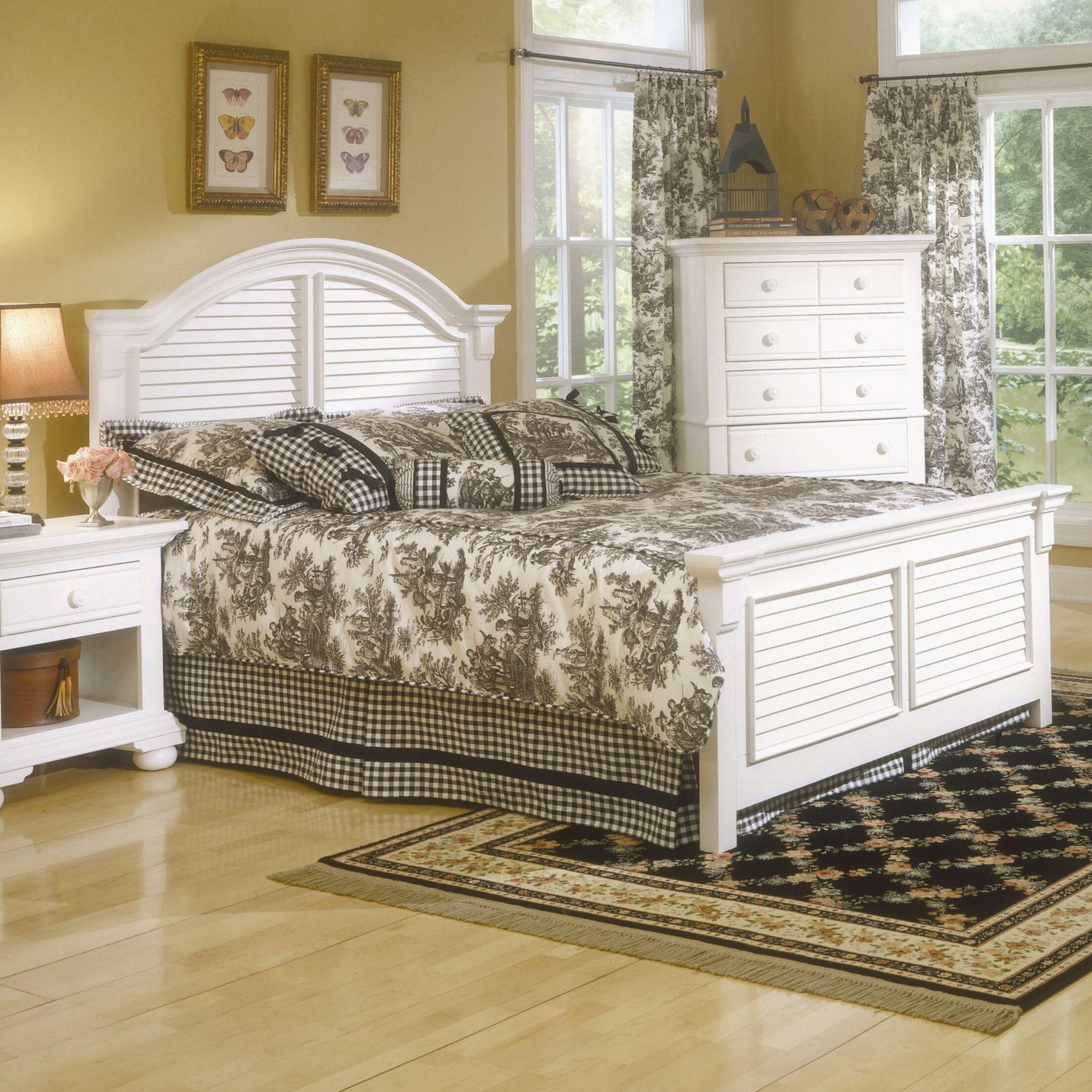 Montcerf King Panel Bed