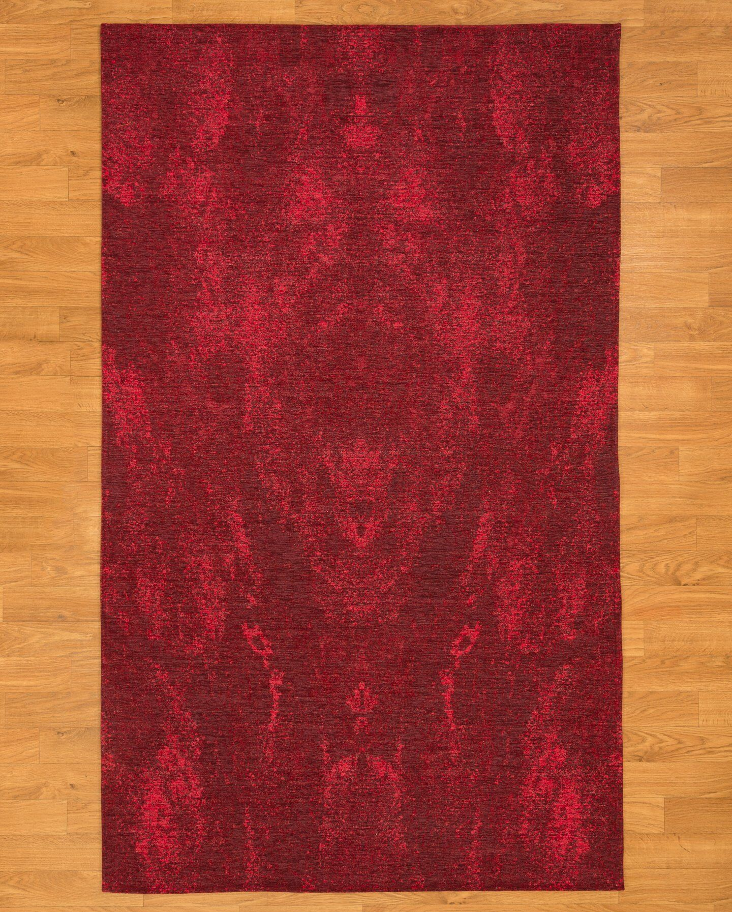 Red Area Rug Rug Size: Rectangle 6' x 9'