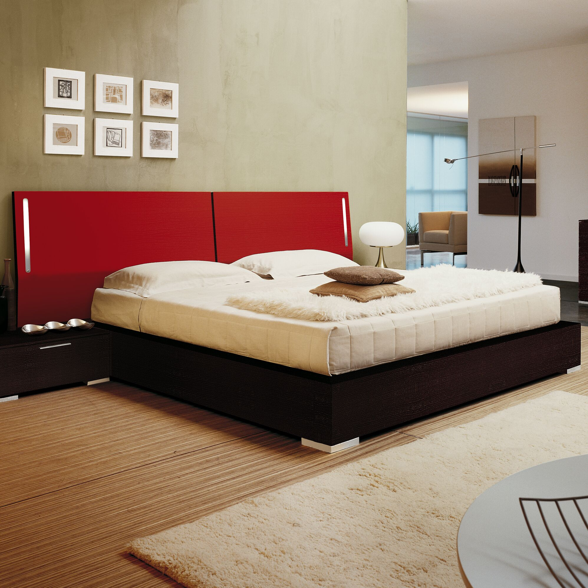 Enter Platform Bed Color: Lacquered Red HB, Size: Queen