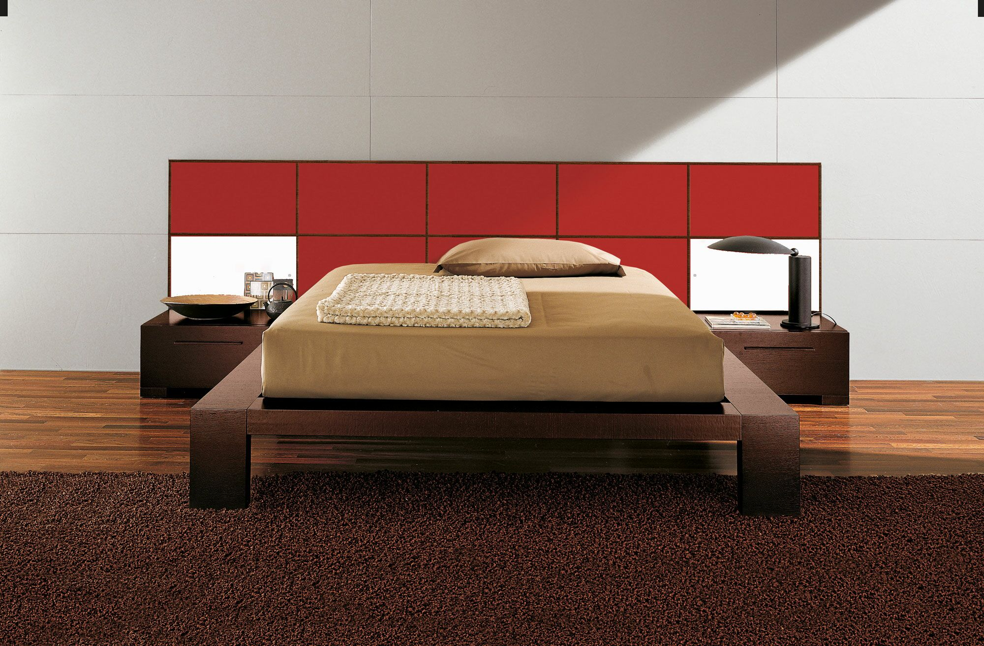 Soho Platform Bed Size: King, Color: Red High Gloss