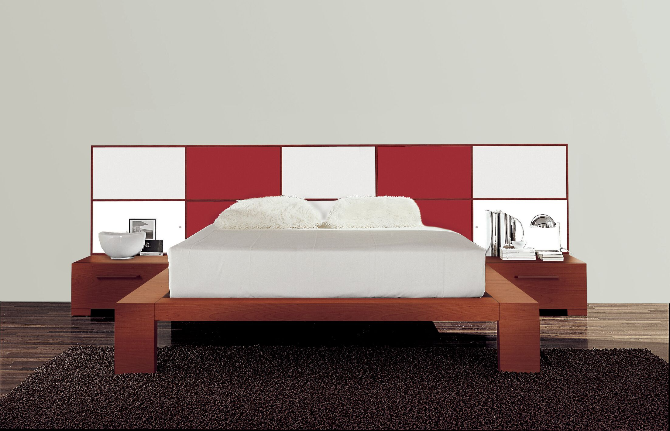 Wynd Platform Bed Size: Queen, Color: Red/White