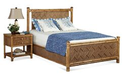 Summer Retreat Chippendale Panel Bed Size: Queen, Color: Natural