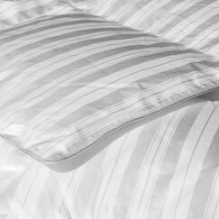 Heavyweight Down Comforter Size: Twin
