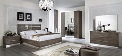 Asberry Panel Bed Size: King