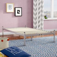 Barra Metal Platform Bed Color: Silver, Size: Full/Double