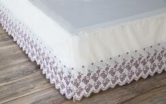 Millman Floral Gathered Lace Bed Skirt Size: King