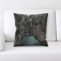 Portrait Style Photography (195) Throw Pillow