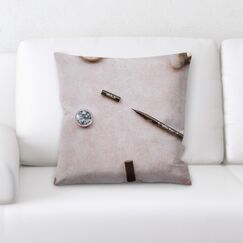 Hangah (15) Throw Pillow