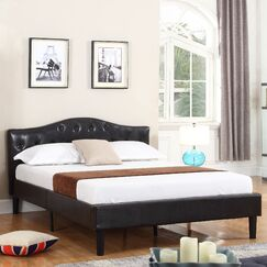 Classic Deluxe Platform Bed Size: Queen, Color: Espresso