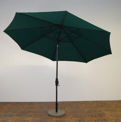 11' Market Umbrella Fabric: Forest Green, Frame Finish: Maple