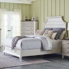 Georgetown Panel Bed Size: King
