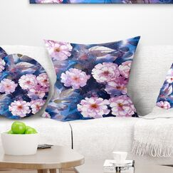Floral Briar Pillow Size: 16