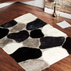 Hand-Tufted Black Area Rug Rug Size: 4'11